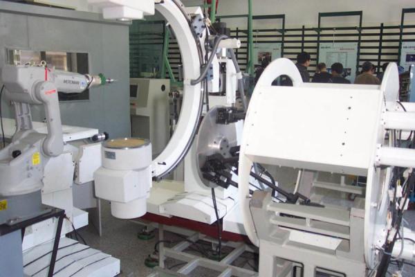 医疗机器人-四大家族 笼罩下的机器人市场行情