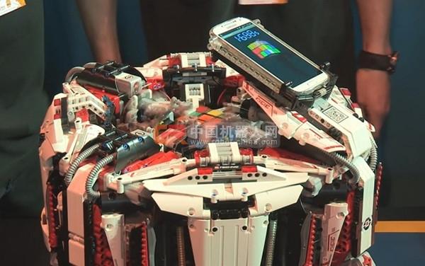 3.253 秒:乐高机器人刷新破解魔方新纪录