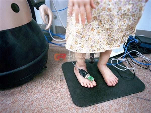 在日本,他们对机器人的足部精益求精