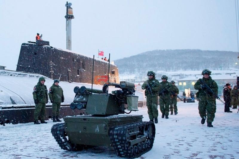 时髦了:俄军动用战斗机器人保卫潜艇基地