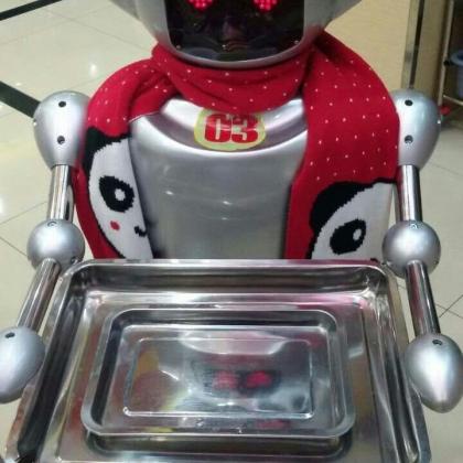 穿山甲餐饮服务机器人地区招代理、送餐机器人