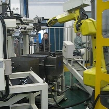 压铸镶嵌机器人
