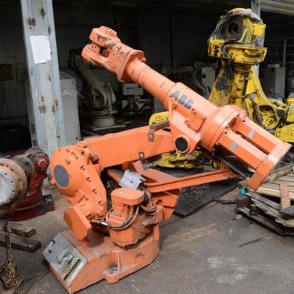 ABB工业机器人 4400  6400负重120公斤 本体带电柜箱一批