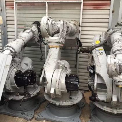 4台安川机器人 负重200公斤机器人本体 电机坏了结构很好便宜货
