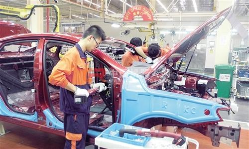 吉利汽车春晓制造基地博瑞电装线-吉利集团 力求打造最美中国车高清图片
