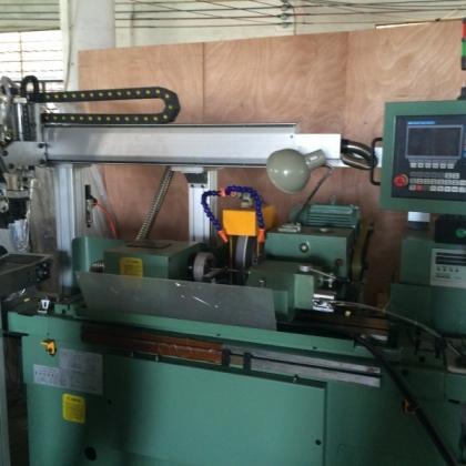 外圆磨床自动上下料机械手 LVJUN robot 台湾生产厂家直销