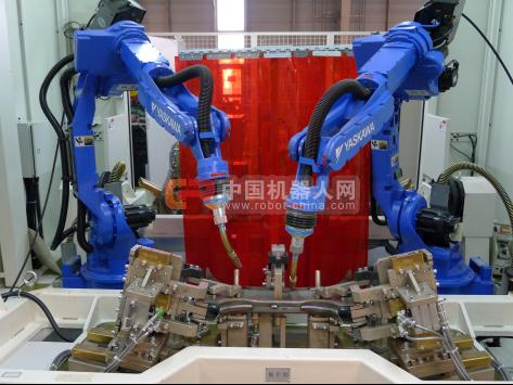 安川首钢携国内领先的机器人焊接技术 隆重亮相2016重庆汽车制造装备