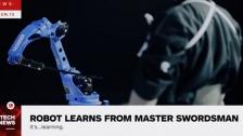剑术大师教机器人如何使用武士刀