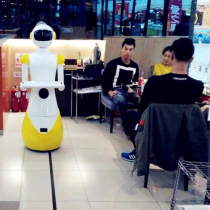 太原机器人餐厅,迎宾+领位+送餐餐厅全方位服务厂家直销