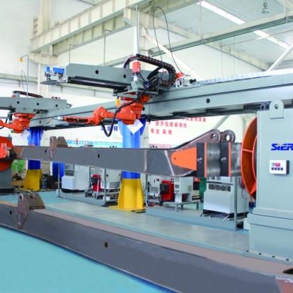 泵车臂架机器人焊接系统