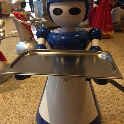 送餐机器人就选穿山甲