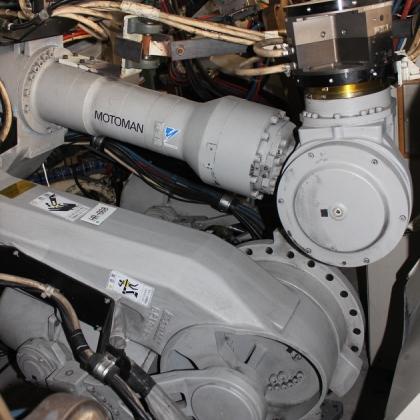安川机器人UP130本体,负重130公斤电机齐全询价