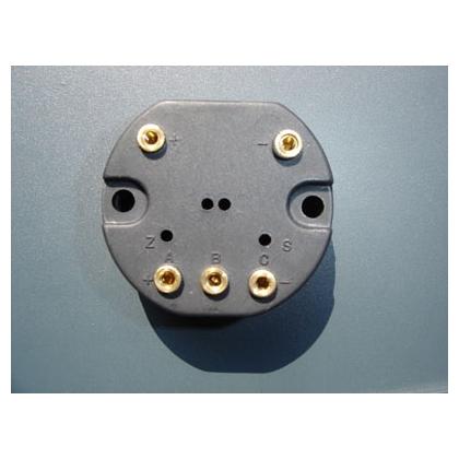 位移电流转换器