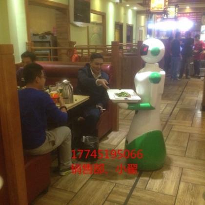 硅智讲解机器人入驻得高地板送餐机器人传菜机器人迎宾机器人酒店机器人