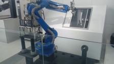 安川机器人,加工件上下料