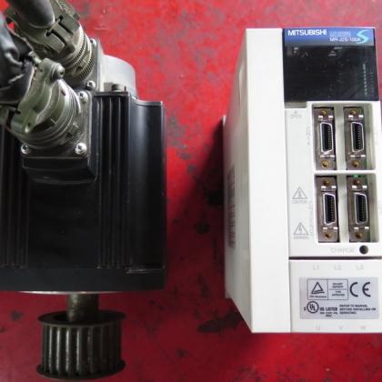 HC-SFS81 MR-J2S-100A  三菱伺服电机加驱动器