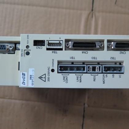 二手横河伺服驱动器UM1LG3-210C-1AA-2SA-N