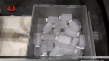 泰达机器人搬运塑料瓶