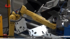 泰达机器人涂胶车窗玻璃