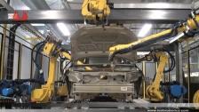 泰达机器人涂胶汽车整车