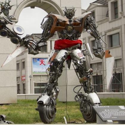 金属诱惑机器人厂家户外大型机器人迎宾机器人高约3米
