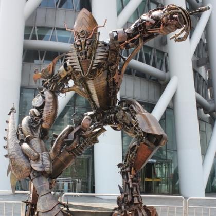 房地产商场暖场活动展示迎宾机器人租赁广州金属诱惑智能艺术机器人高约3米