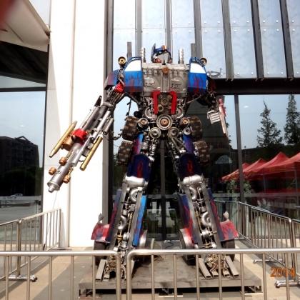 广州金属诱惑智能艺术机器人厂家可以定制出租租赁机器人迎宾展会活动宣传人气装置高约4.5米
