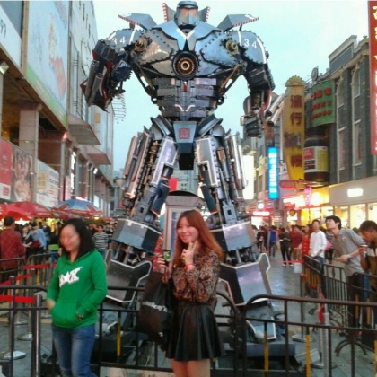 变形金刚机器人租赁定制房地产商场暖场活动道具租赁智能迎宾跳舞机器人高约5米