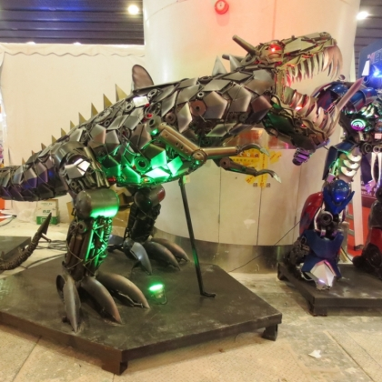 广州金属诱惑智能艺术机器人厂家可以定制出租租赁机器人迎宾展会活动宣传人气装置长约5米