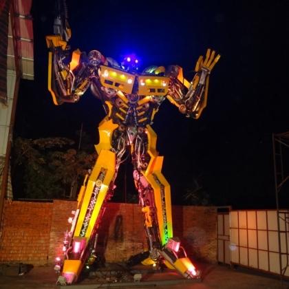 迎宾机器人游乐设施不二之选 智能跳舞机器人主题公园性价比最高 高约7米