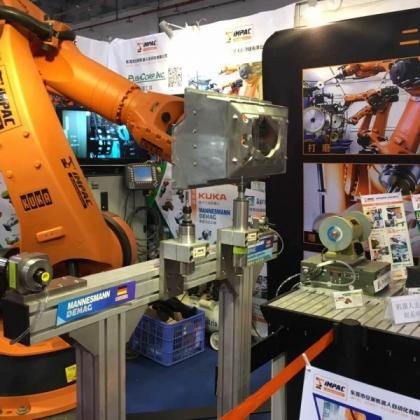 安派大型铸件机器人打磨 机器人去毛刺系统集成方案