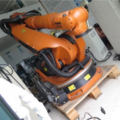 二手库卡KUKA机器人带控制柜 一套 台州信达 现货销售