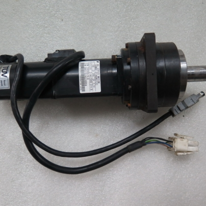SGMAH-01AAAG12C CP-16A-5-J201A-SP 二手安川伺服电机带减速机 台州信达