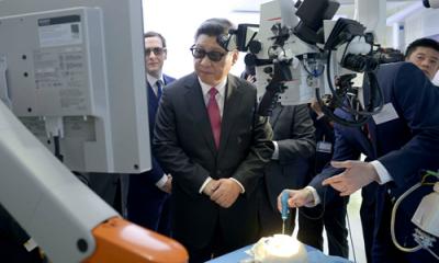 习大大都观摩医用机器人了,你了解多少?
