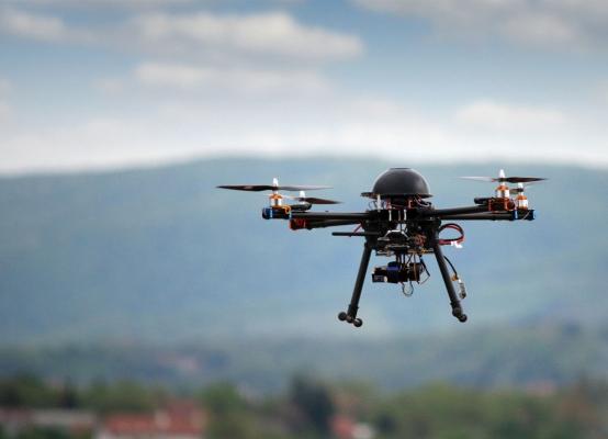 民航局划下无人机安全红线 欲设置电子围栏