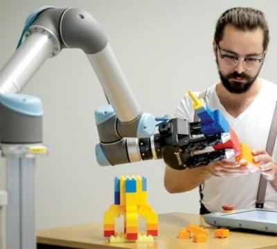 开门、烹饪、玩乐高!机器人观察人类示范,获取新技能