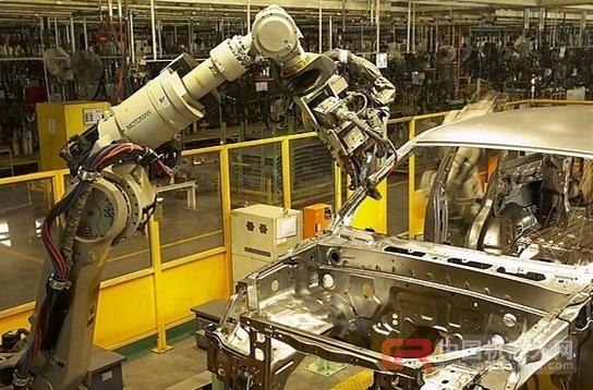 """让""""机器换人""""变得富有温度 智能时代将至"""