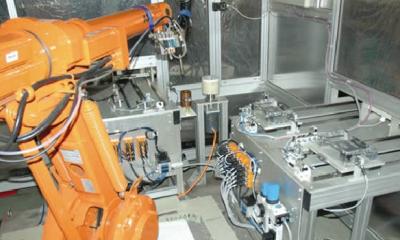 """富士康开展""""百万机器人计划"""" 稳步实现生产自动化"""
