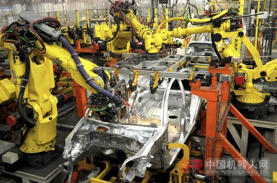"""""""中国制造2025""""重头戏 机器人将杀出一条血路?"""
