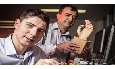 科学家开发出由大脑信号控制的3D打印机器人手