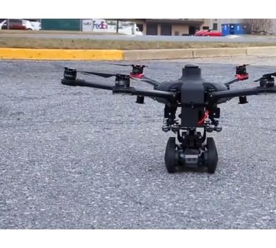 美机器人公司推可地面行走的无人机