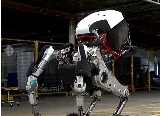 身高1.98m,纵跳1.2m。这不是乔丹,这是波士顿动力最新的轮式暴跳机器人