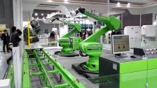 CMA喷涂机器人喷餐具