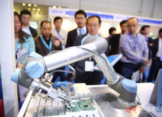 当饱满的理想遇见骨感的现状,工业机器人该怎么度过推广瓶颈期?
