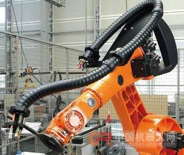 工业机器人电缆对中国智能制造产业的应用