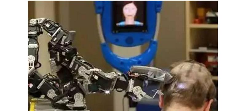 """美国黑科技:发明专门理发的机器人?效果果然""""震惊""""!"""