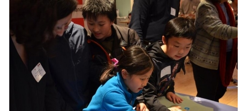 为了让熊孩子变身好学生,EPFL设计了一款有自主能力的教育机器人