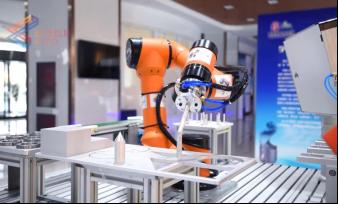又到中考季 工业机器人职业教育受追捧