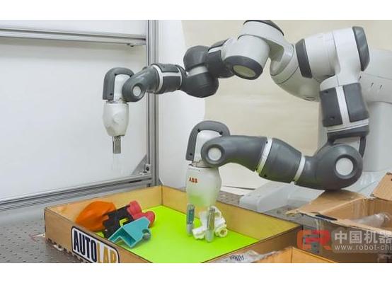 机器人学会了灵活抓握 夹娃娃机也要失业?