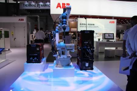 IRB 1660ID和ArcWeldingPowerPac离线编程技术
